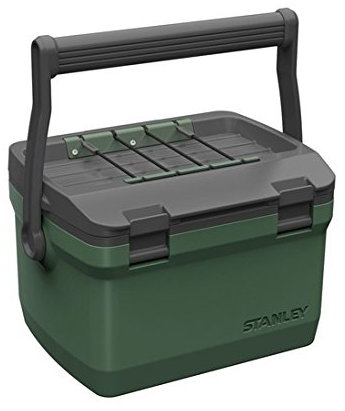 Stanley Adventure Passiv-Kühlbox (6.6 Liter) für 44,64€ inkl. VSK (statt 50€)