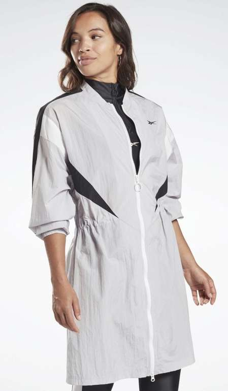 Reebok Damen Studio High Intensity Jacke für 39,74€ inkl. Versand (statt 66€)