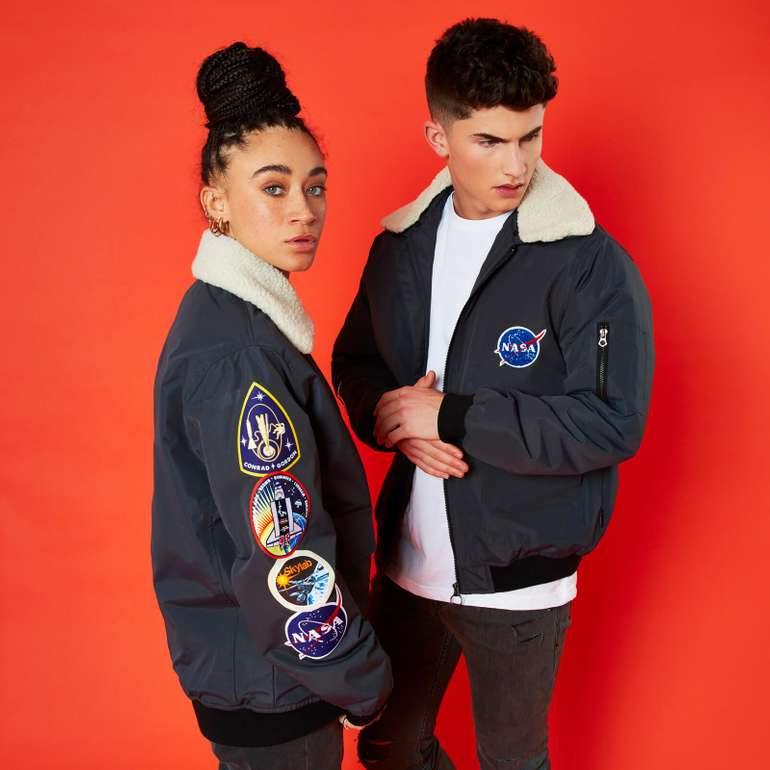 Zavvi: 40% Rabatt auf Bekleidung & Merch-Fan Ware im Flash Sale  - Jacken, T-Shirts u.v.m!