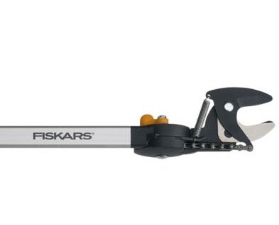 Fiskars Teleskop-Schneidgiraffe für 79,99€ (statt 88€)