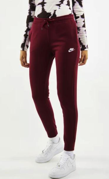 Nike Essentials Damen Trainingshose in bordeauxrot für 29,99€ inkl. Versand (statt 40€)