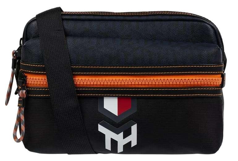 Tommy Hilfiger Umhängetasche mit Logo-Muster für 29,99€inkl. Versand (statt 48€)