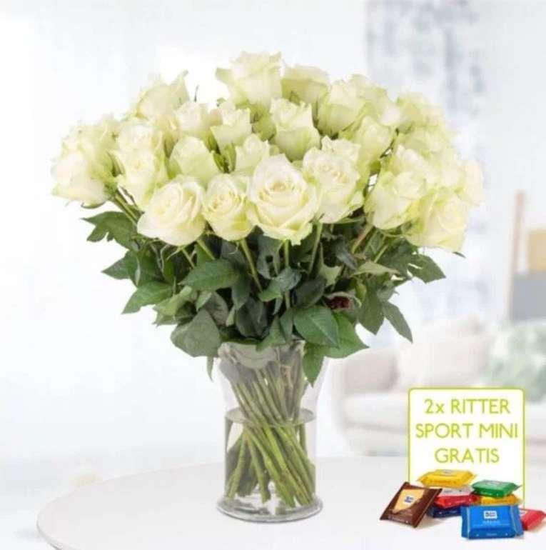 40 weiße Rosen (40cm Stiellänge) + 2x Ritter Sport Mini für 24,90€ inkl. Versand