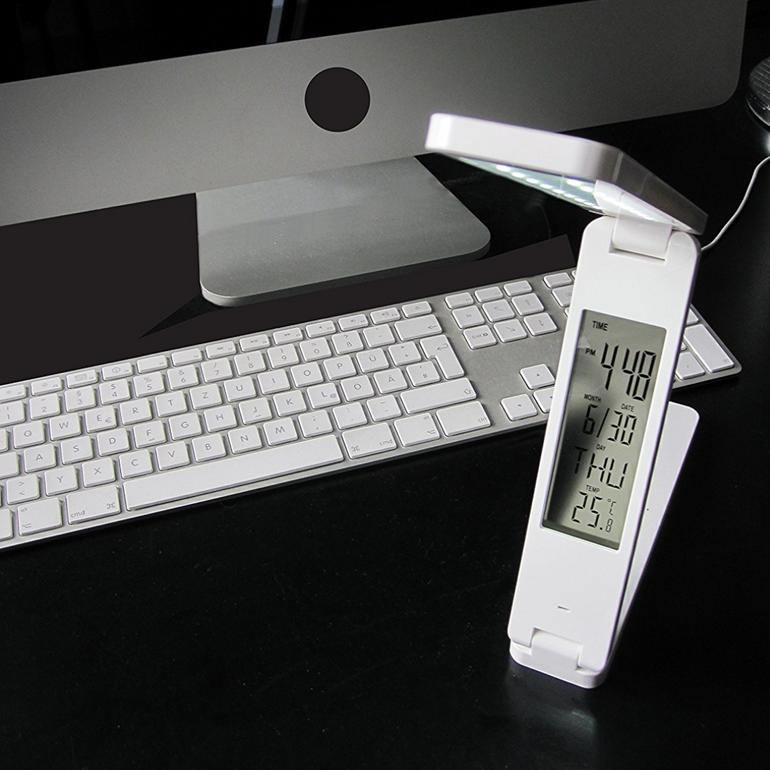 Faltbare LED Lampe mit digitaler Uhr und Thermometer für 9,99€ inkl. Versand
