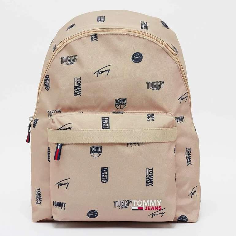 "Tommy Jeans Rucksack ""TJM Campus Dome Backpack Print"" in 2 Farben für je 43,99€ inkl. Versand (statt 60€)"