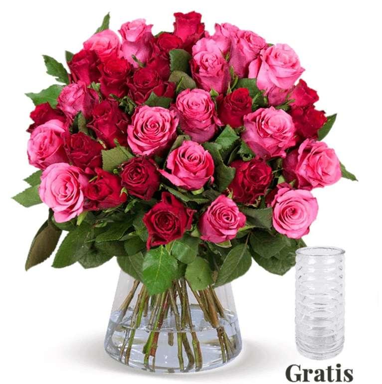 25 rot-pinke Rosen im Strauß + gratis Vase für 24,98€ inkl. Versand (statt 40€)