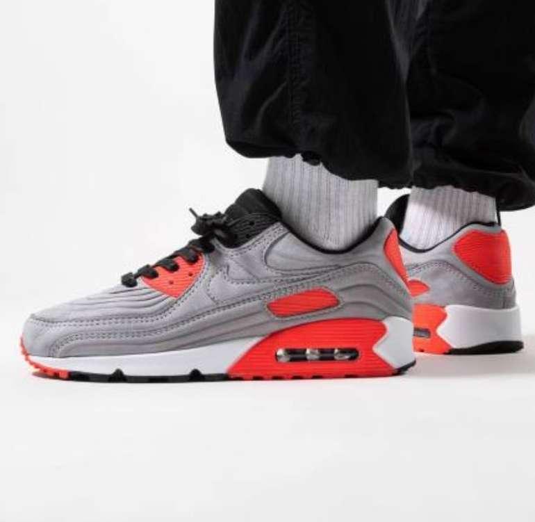 """Nike Air Max 90 QS Sneaker im """"Night Silver Crimson""""-Colourway für 99,95€ inkl. Versand (statt 144€)"""