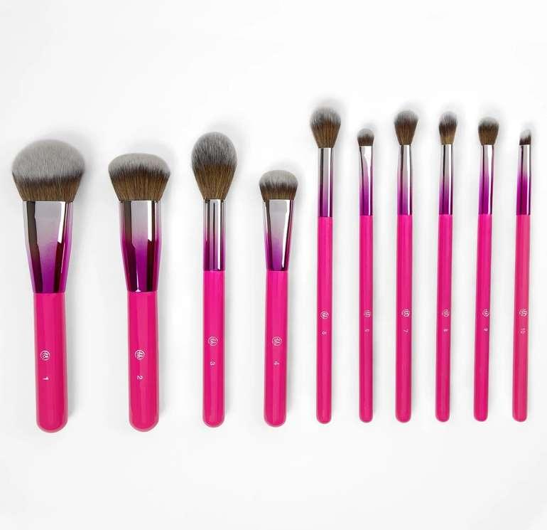 Bis -60% Rabatt auf Make-up-Pinsel bei BH-Cosmetics + 10% Extra, z.B. 10-tlg. Midnight Festival Set inkl. Halter für 21,23€