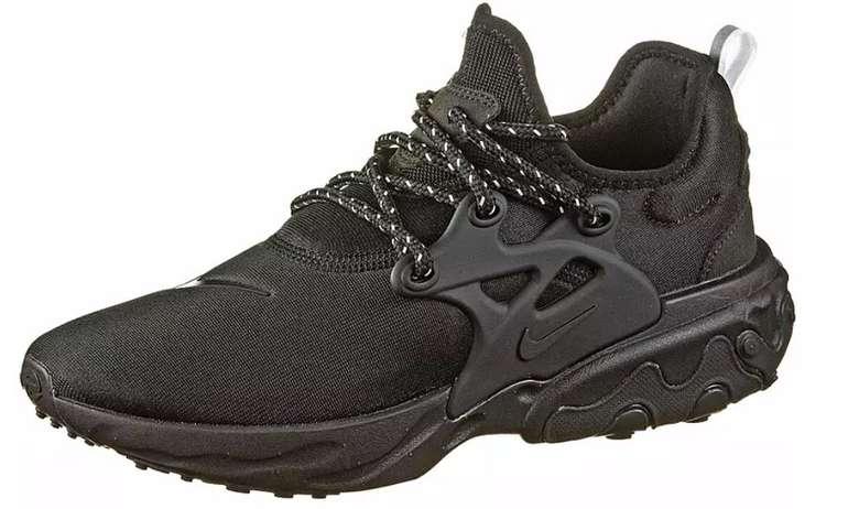 "Nike React Presto Herren Sneaker im ""All black""-Colourway für 71,11€ inkl. Versand (statt 80€)"