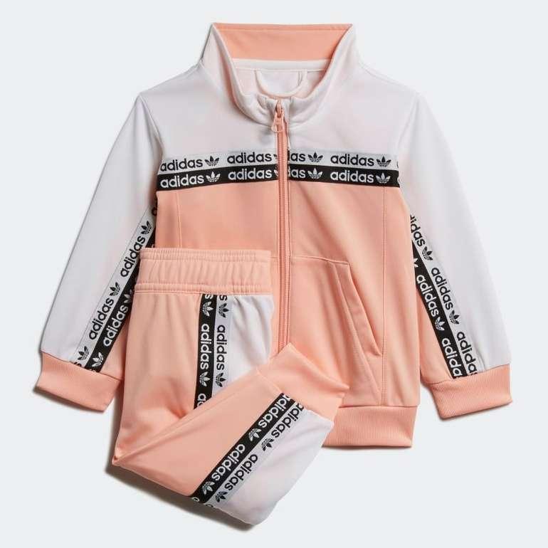 Adidas Trainingsanzug für Mädchen für 19,42€ inkl. Versand (statt 45€)