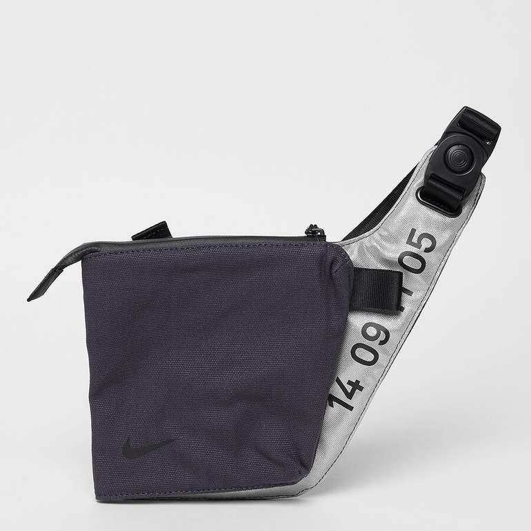 Nike Tech Crossbody Unisex Tasche für 19,99€ inkl. Versand (statt 27€)