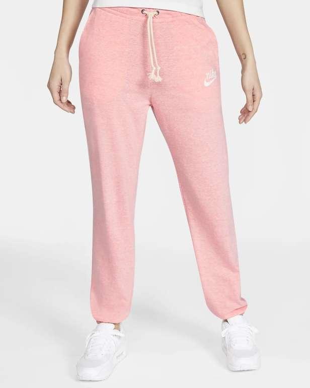 Nike Sportswear Gym Vintage Damen Hose für 29,18€ inkl. Versand (statt 38€) - Nike Membership!