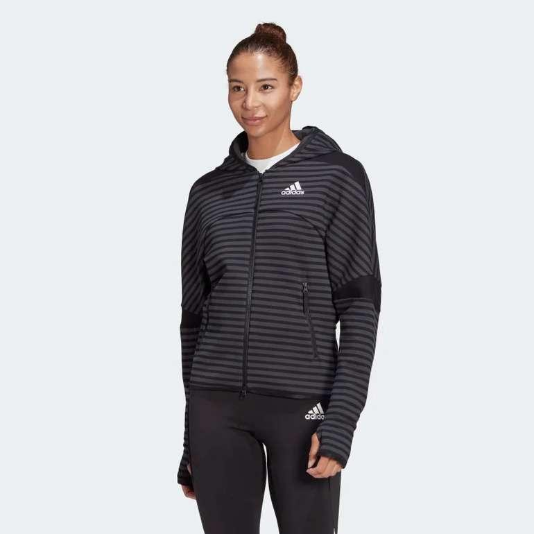 Adidas Z.N.E. Sportswear Stripe Allover-Print Damen Hoodie in Schwarz für 56€ inkl. Versand (statt 100€)