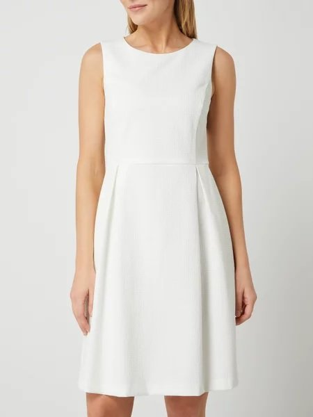 Montego Kleid mit Kellerfalten in Weiß und Gelb für 38,24€ inkl. Versand (statt 60€)