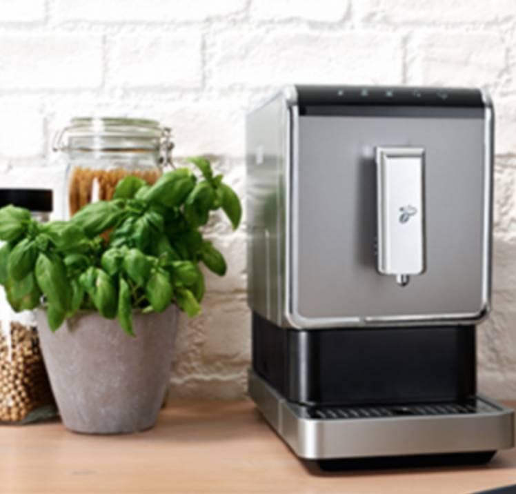 Tchibo Esperto Caffè Kaffeevollautomat + Kaffeebohnen für 199€ inkl. Versand