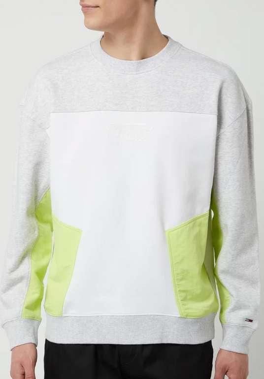 Tommy Jeans Sweatshirt mit überschnittenen Schultern für 39,99€inkl. Versand (statt 54€)