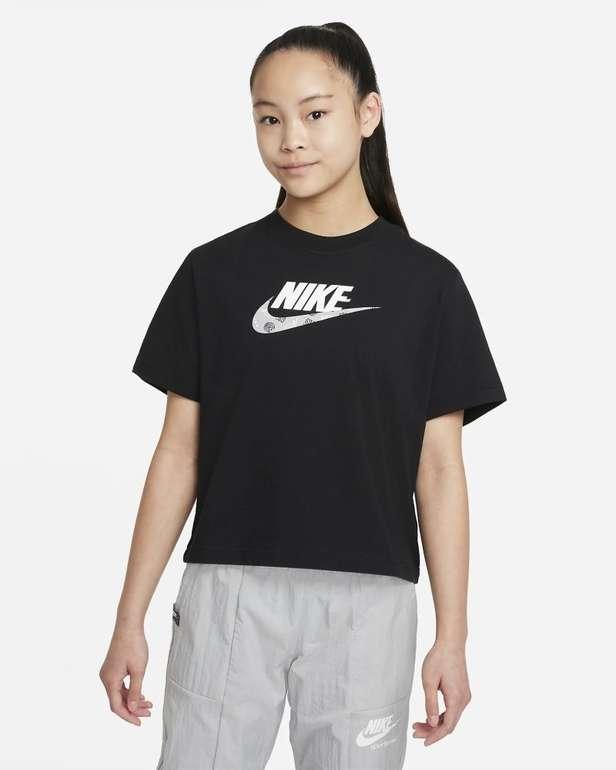 Nike Sportswear T-Shirt für ältere Kinder (Mädchen) für 10,48€ inkl. Versand (statt 20€) - Nike Membership!