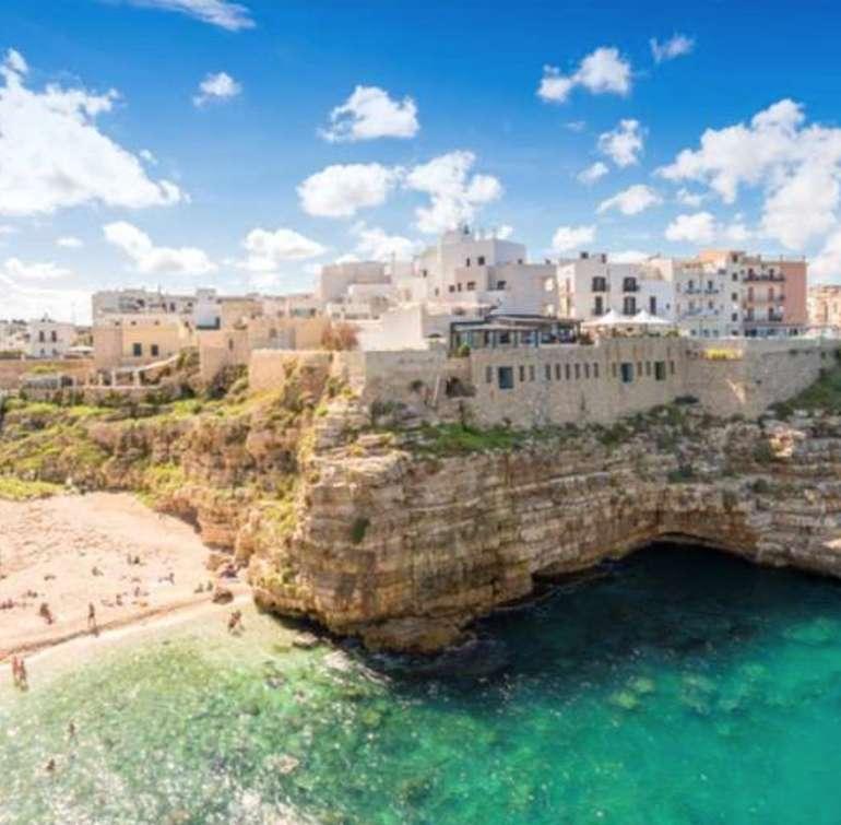 Italien: Bari - Hin und Rückflug von Dortmund mit Wizz Air für 2 Personen für 19€ (im September!)