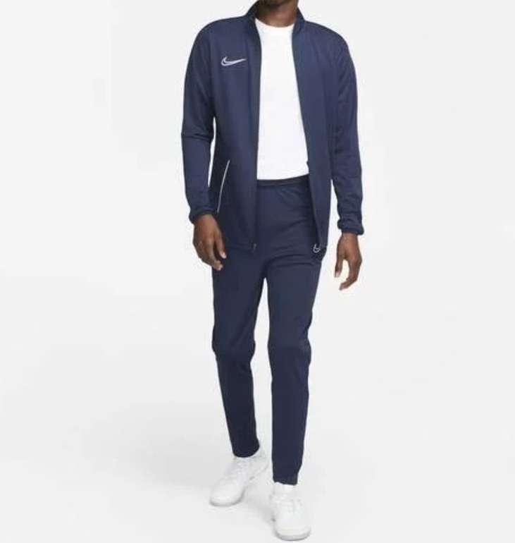 Nike Academy 21 Herren Track Suit in marineblau für 24,98€ inkl. Versand (statt 38€)