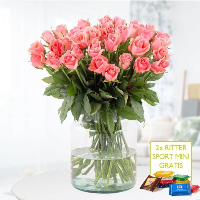 40 Rosen im Zarten Pink + 2 Rittersport Mini-Schokis + Grußkarte für 24,90€