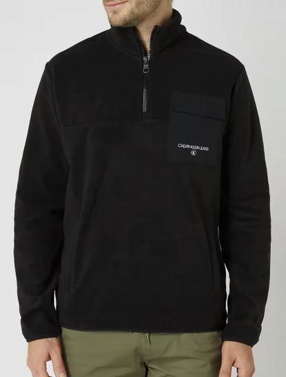 Calvin Klein Jeans Troyer aus Fleece in Schwarz für 39,99€inkl. Versand (statt 80€)