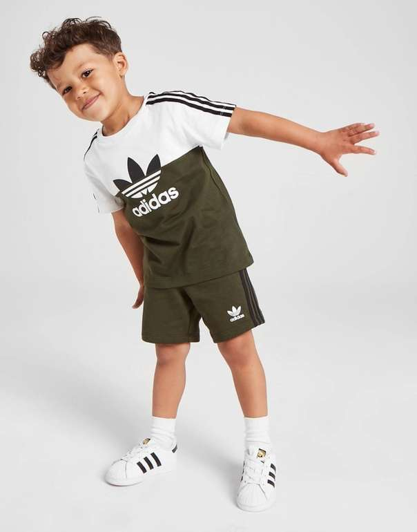 Adidas Originals Sliced T-Shirt/Shorts Kinder Set in 2 Farben für je 25,99€ (statt 36€)