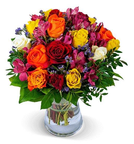 """Blumenarrangement """"Rosenkuss"""" mit 12 bunten Rosen & 7 Inkalilien für 26,23€"""