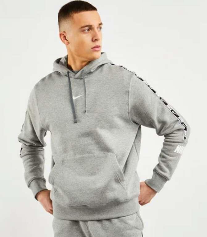Nike Repeat Over The Head Herren Hoodie in Grau für 39,99€ inkl. Versand (statt 54€)