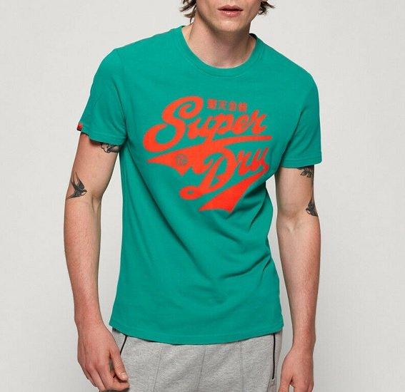 Bis zu 50% auf über 4.424 Superdry Artikel bei eBay - z.B.   Superdry Herren Classic Heritage Mid T-Shirt für 17,50€ (statt 25€)