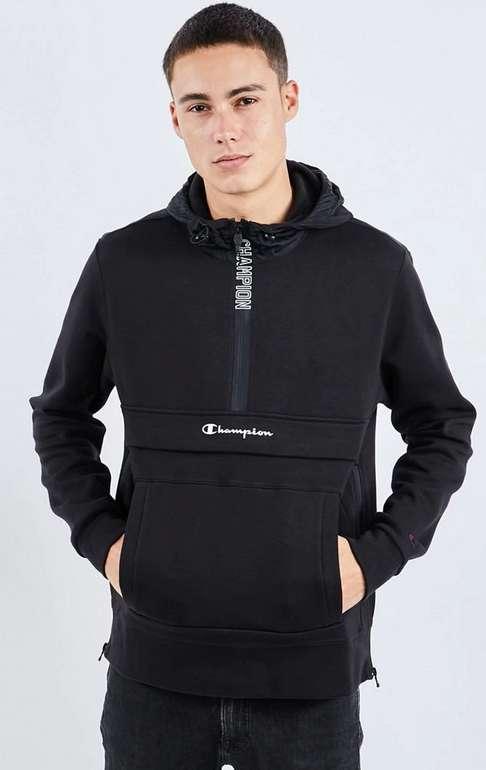 Champion Volt Herren Hoodie in schwarz für 29,99€ inkl. Versand (statt 40€)