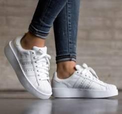 Adidas Originals Damen Superstar Bold Sneaker für 44,40€ inkl.…