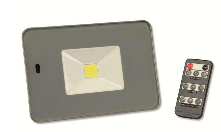 LED-Fluter, Bewegungsmelder 20W, 1700lm mit Fernbedienung, 3000K in grau für 15,85€ inkl. Versand (statt 20€)
