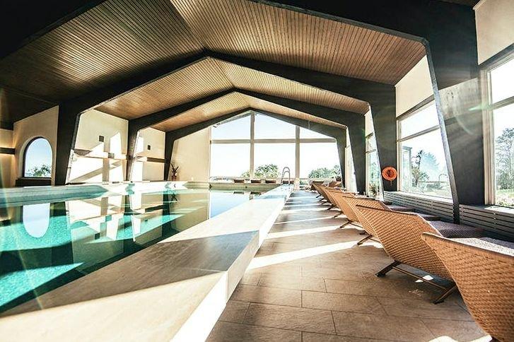 Ammergauer Alpen: 2 Nächte im 4* Hotel Schillingshof inkl. Frühstück + 1x Abendessen und Wellness ab 129€
