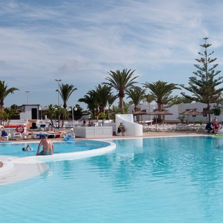 7 Tage Lanzarote im 4*-Hotel inkl. Flüge, All-Inclusive & Transfer für 299€ p.P.