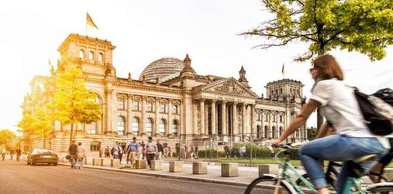 Berlin: Premium Zimmer im Hotel Alexander Plaza inkl. Frühstück ab 47,50 € pro Person