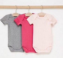 Name it Baby- & Kindermode im Sale mit bis -65%, z.B. 3 Bodys ab 5,50€ zzgl. VSK