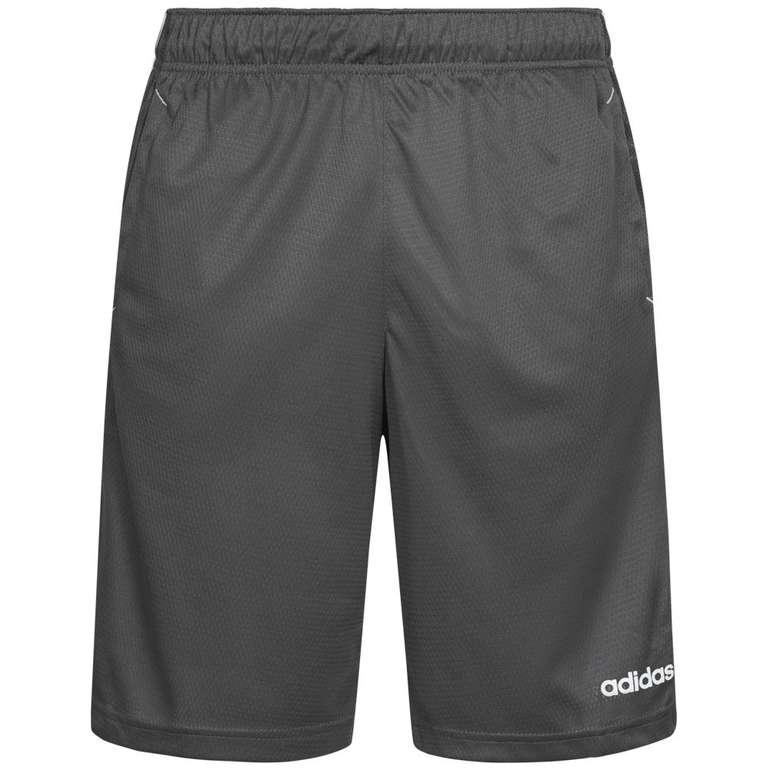 adidas Essentials Herren Shorts in Grau für 16,94€ inkl. Versand (statt 20€)
