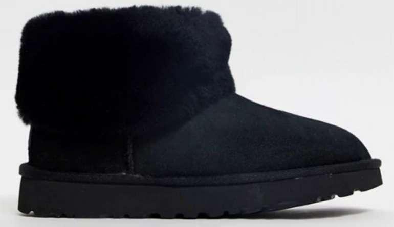 UGG Classic Mini Fluff Ankle-Boots in schwarz für 98,35€ inkl. Versand (statt 124€)