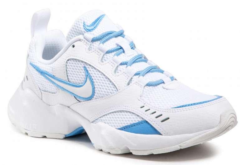 "Nike Air Heights Damen Sneaker in ""White/University Blue"" für 66,40€inkl. Versand (statt 83€)"