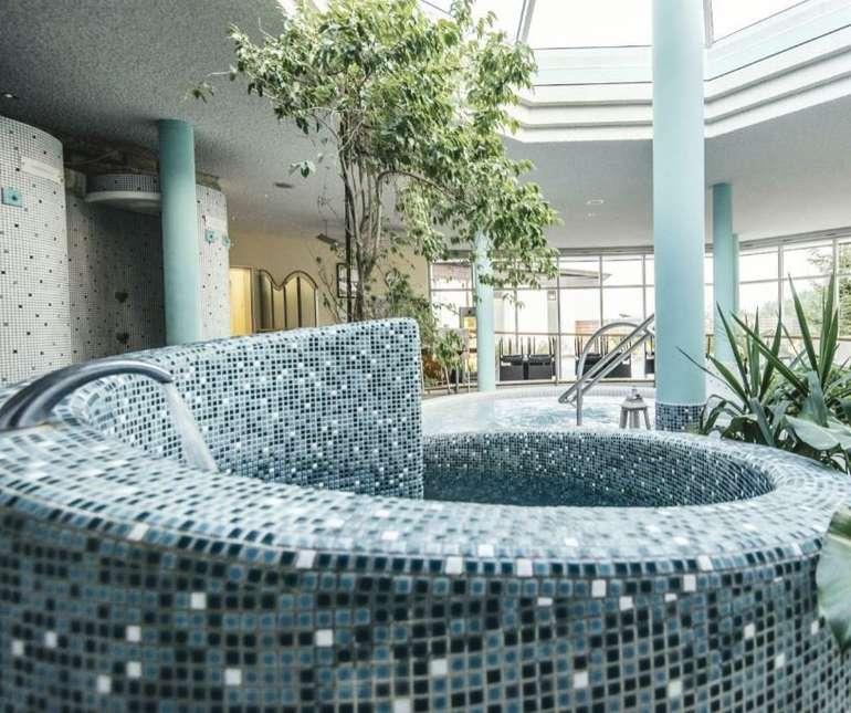 Teistungenburg: 1 ÜN im 4*S Victor's Residenz-Hotel (Halbpension, Wellnessbereich) für 59€ p.P