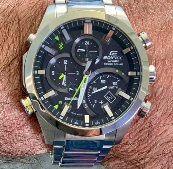 Casio Edifice EQB-501D-1AMER Smartwatch für 175,34€ inkl. Versand (statt 254€)