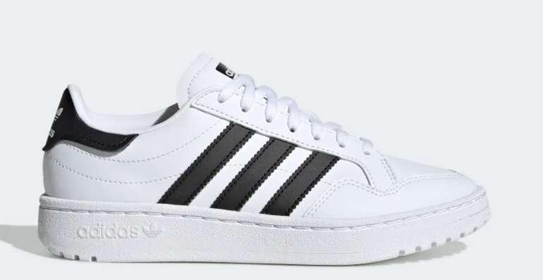 adidas Team Court Kinder Schuhe für 29,40€ inkl. Versand (statt 35€)