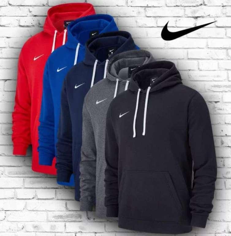 Nike Kapuzenjacke Team Club 19 Fleece Hoody für 25,80€ inkl. Versand (statt 32€)