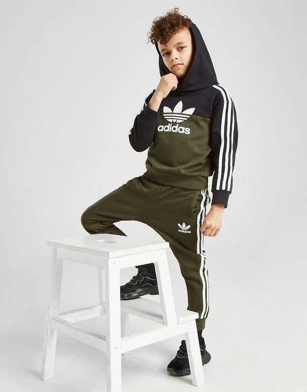 Adidas Originals Sliced Overhead Kinder Trainingsanzug für 33,99€ inkl. Versand (statt 54€)