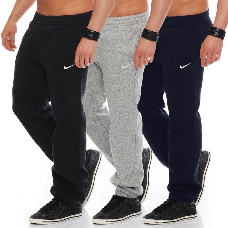 Nike Swoosh Cuffed Jogginghosen in Größe S für je 24,24€ inkl. Versand