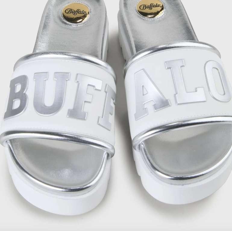 Buffalo mit 20% Rabatt auf alles (auch SALE) - z.B. Edona Pool-Slipper silber für 31,92€ (statt 40€)