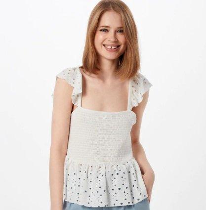 Vero Moda Spitzentop 'Sally' in weiß für 18,62€ inkl. VSK (statt 28€)