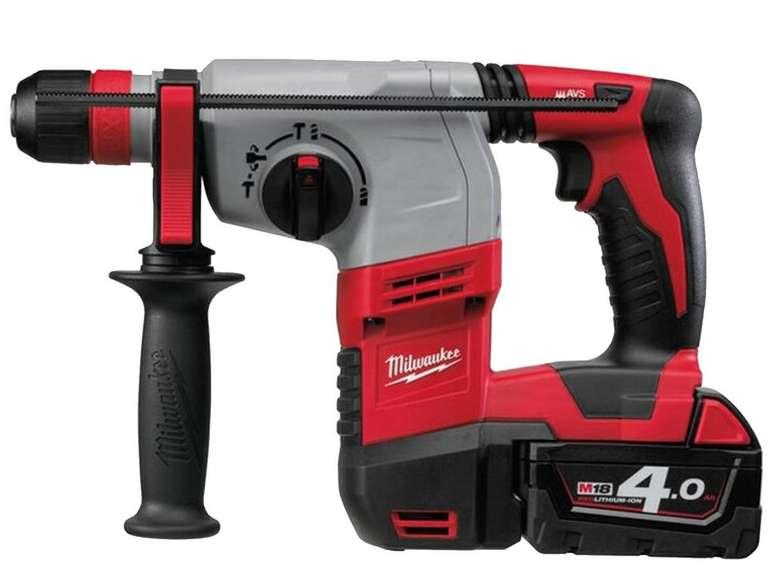 Milwaukee HD18HX-402C Bohrhammer mit 2x 4,0 Ah Akku (18V) für 428,90€ inkl. Versand (statt 505€)