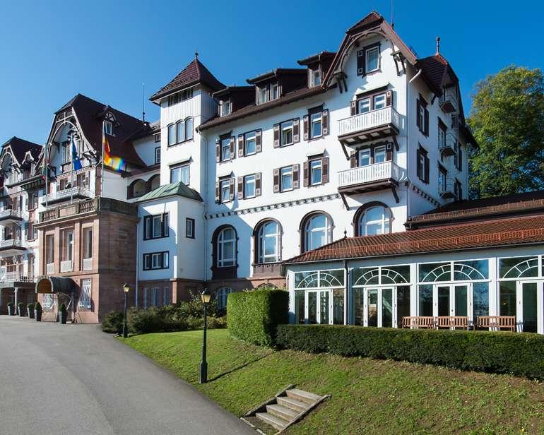 Schwarzwald: 2 ÜN im 4* Palmenwald Schwarzwaldhof (Frühstück, Massage, Wellness) für 119€ p.P