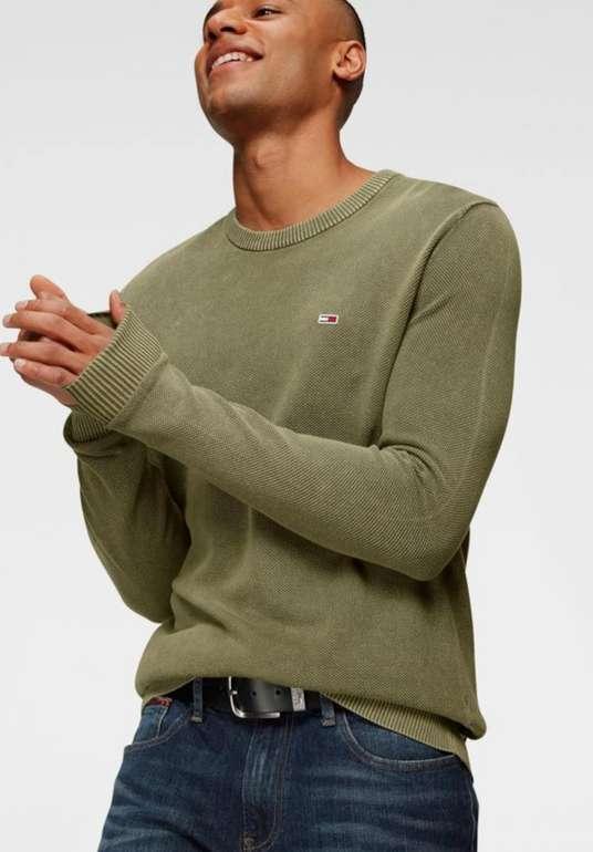 Tommy Jeans Pullover in oliv für 27,45€inkl. Versand (statt 55€)